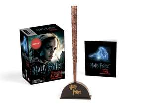 Harry Potter Hermione's Wand with Sticker Kit: Lights Up! de Running Press