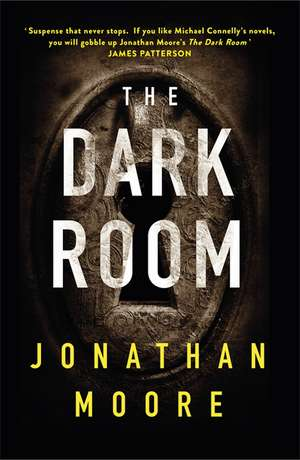 The Dark Room de Jonathan Moore