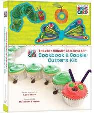 Set carte engleză și forme de prăjituri Omida mâncăcioasă